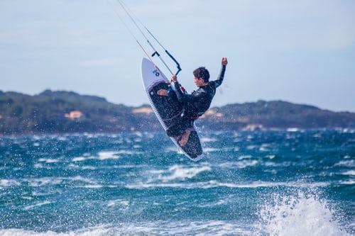Sådan får du dit kitesurfespil startet